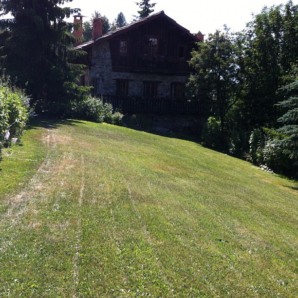 Nothing better tham a freshly mown lawn on a hot summer afternoon in #sauze d'oulx!