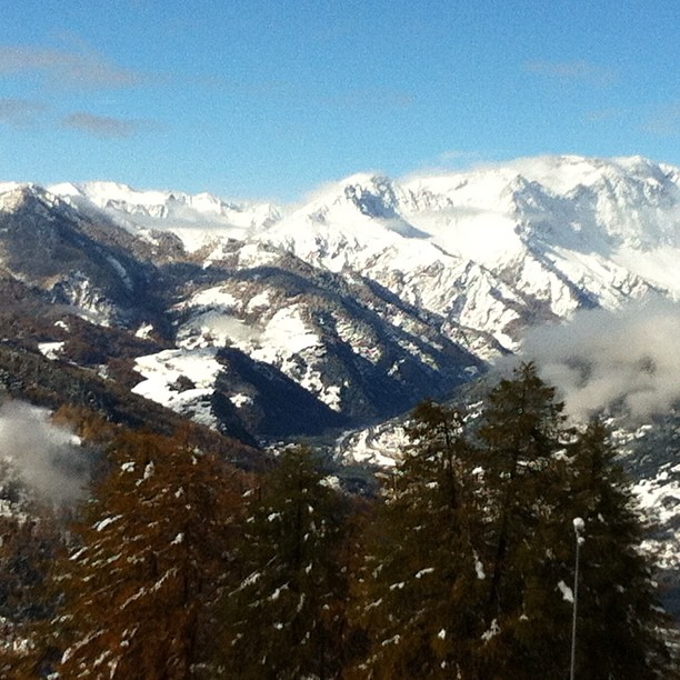 Our beautiful snow covered mountains#hotelstellalpina #sauzedoulx #skisauze