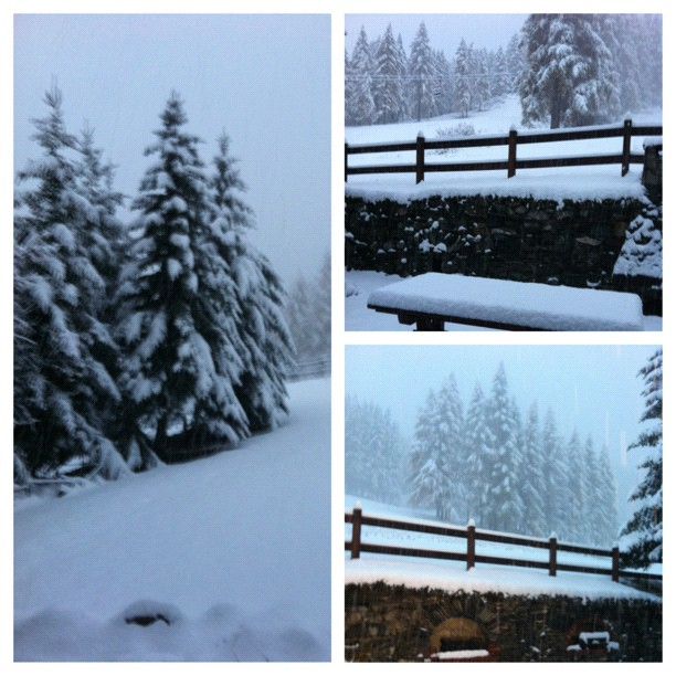 Good morning from Sauze d'oulx. C'mom folks book your ski holiday in #sauzedoulx #hotelstellalpina  now..