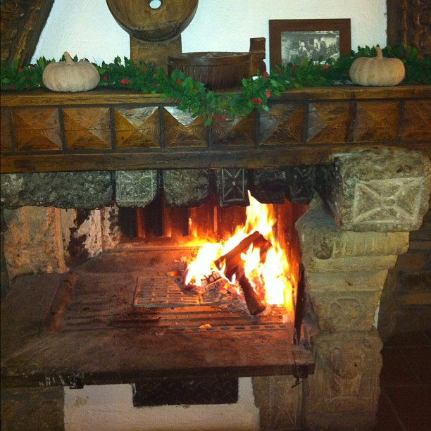 Nothing like an open log fire after a cold (-18) on the slopes !#hotelstellalpina #sauzedoulx