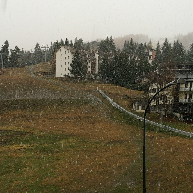 First snowfall in the village.. Very wet..but will be a great base for up top #skisauze #sauzedoulx #hotelstellaalpina
