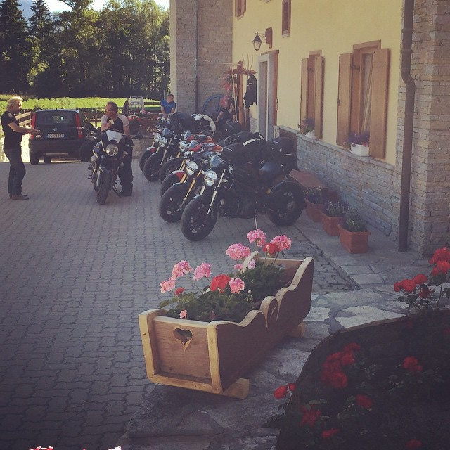 Lots of happy bikers at the #cascinagenzianella #altavallesusa #oulx this lovely summer morning!