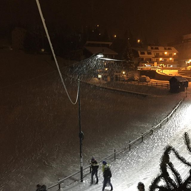 Now thats what we want to see! Snowy evening in #sauzedoulx #hotelstellalpina