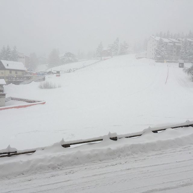 Now thats what we call snow#hotelstellalpina #sauzedoulx